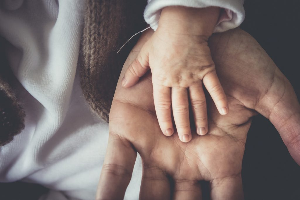 Huellas manos bebé